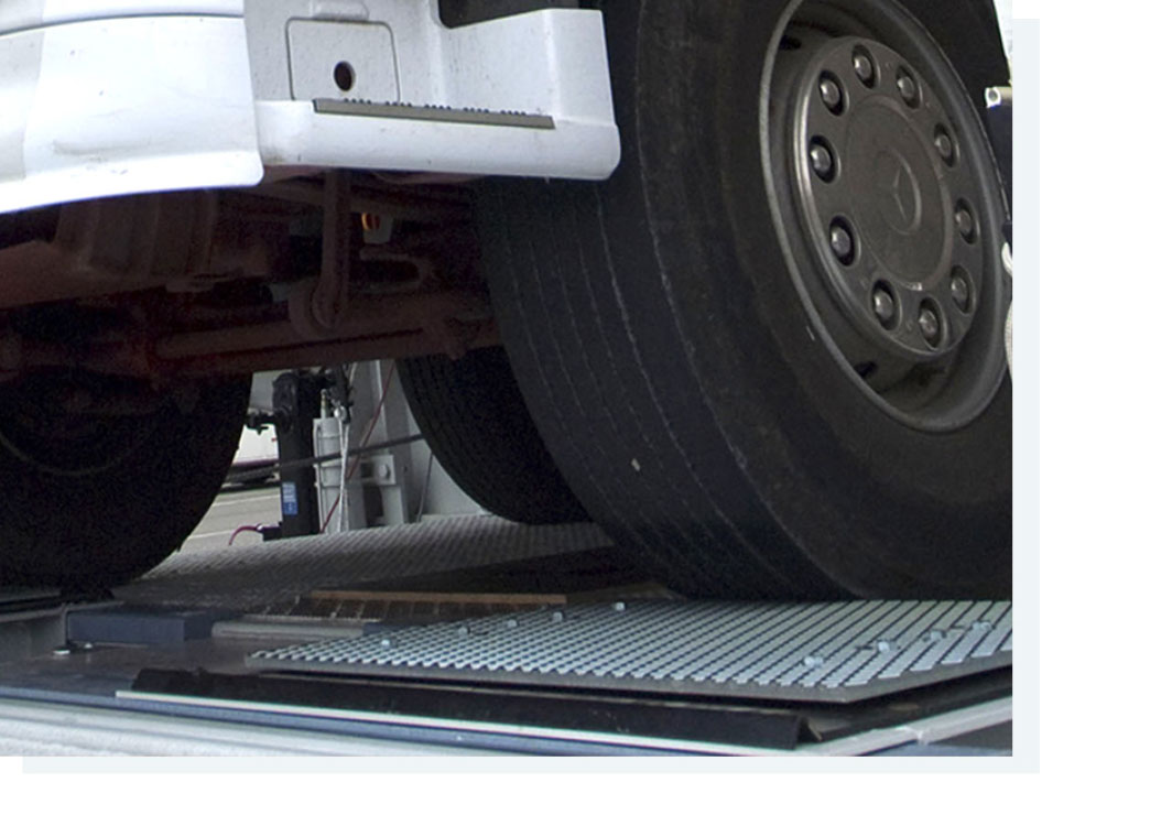 HGV - Heavy Vehicle inspection lines, Hydraulic axle play detector for heavy goods vehicles, ACTIA® Automotive.