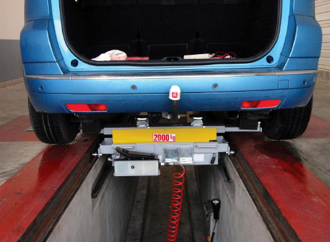 Lift jacking beams for Light Vehicle (LV) inspection pit. ACTIA® Automotive - Aftermarket.