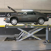 Vehicle lift for LV inspection